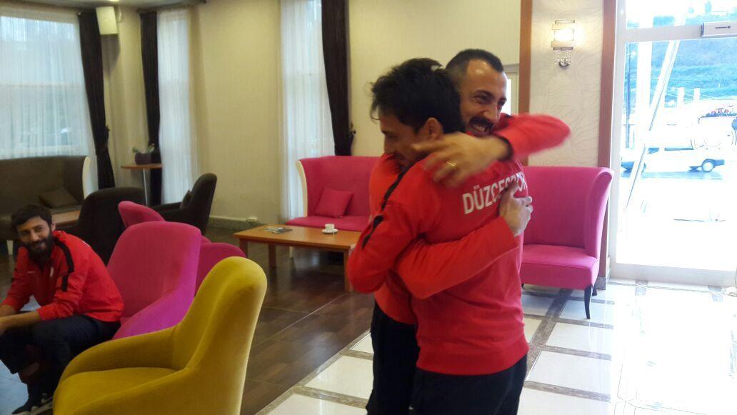 Çaykur Rizesporlu Ahmet İlhan Özek'ten Ziyaret