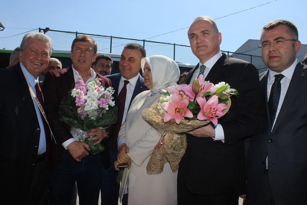Bakanımız Y.Bursa Maçını Tribünden İzledi