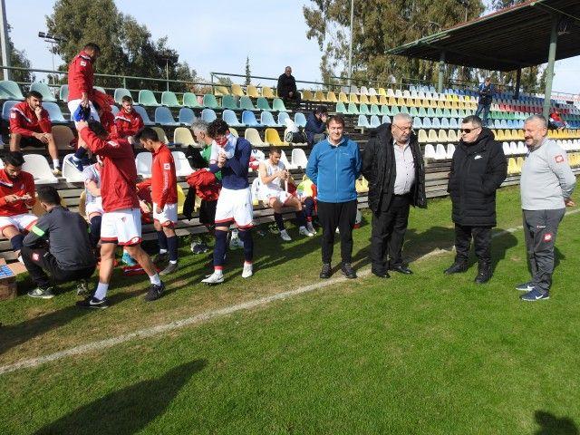 Başkan Kapoğlu takımı yalnız bırakmıyor