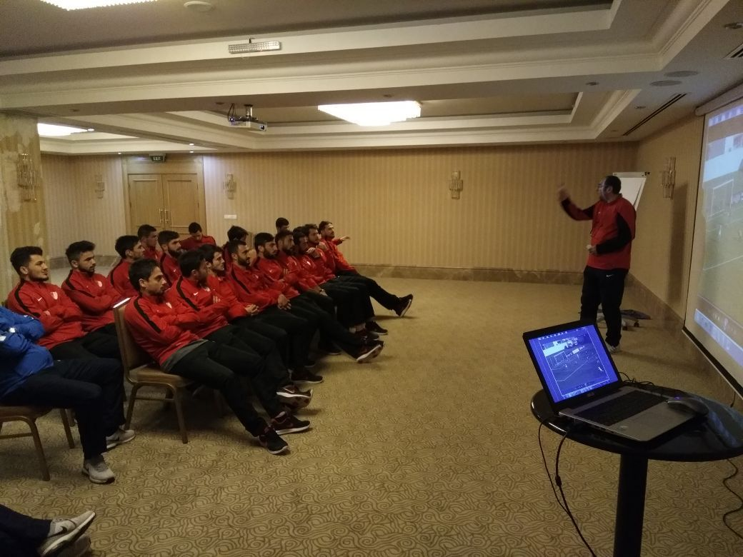 Futbolcularımız Görsel Antrenman Yaptı